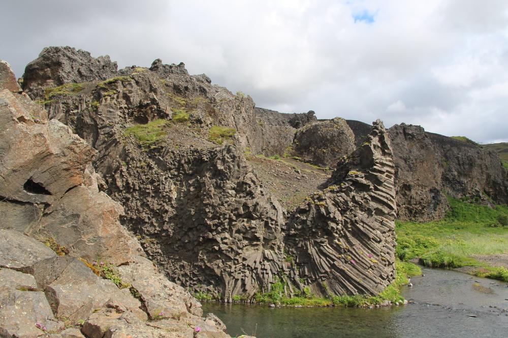 Basaltformationen beim Hjálparfoss