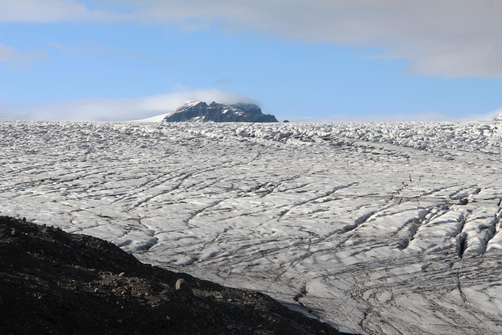 Risse im Gletschereis des Skálafellsjökull